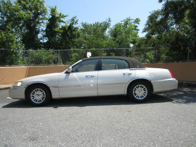 1999 Lincoln Town Car for sale in STATEN ISLAND NY