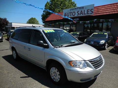 2006 Chrysler Town and Country for sale in Auburn, WA