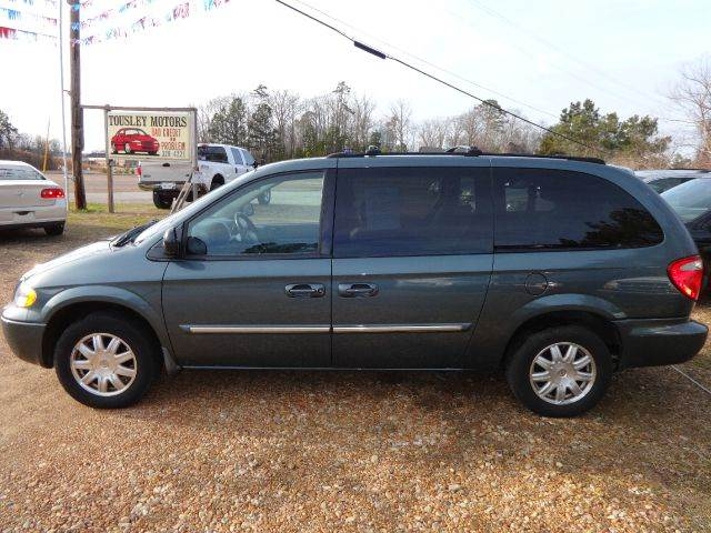2006 chrysler town and country touring 4dr ext minivan in columbus ms tousley motors. Black Bedroom Furniture Sets. Home Design Ideas