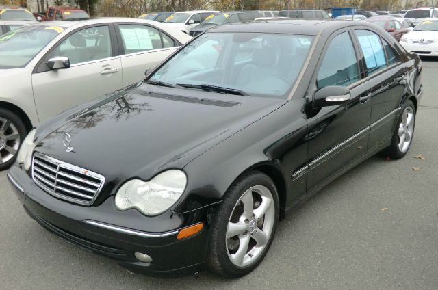 2004 mercedes benz c class c230 kompressor 4dr sedan as low as 1795 down in. Black Bedroom Furniture Sets. Home Design Ideas