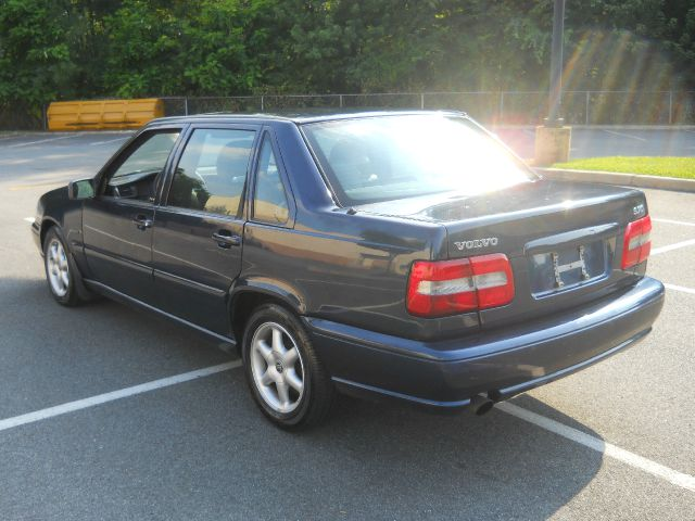 1998 Volvo S70 Base - Vauxhall NJ
