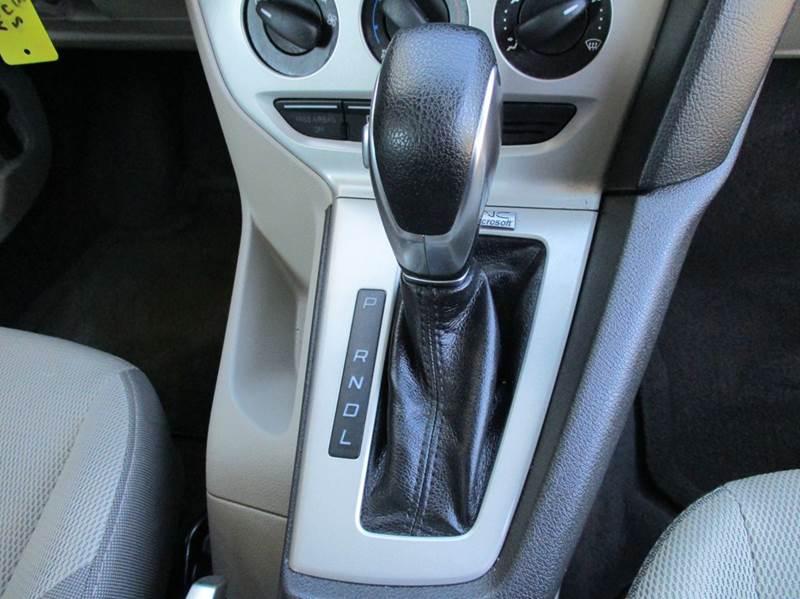 2013 Ford Focus SE 4dr Sedan - Apex NC