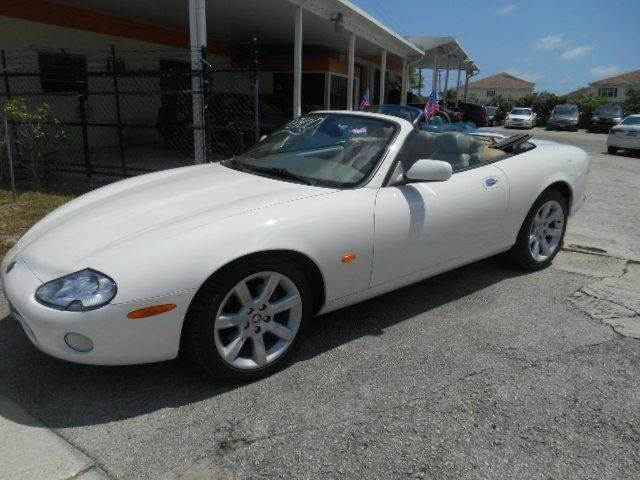 2004 JAGUAR XK-SERIES XK8 2DR CONVERTIBLE white abs - 4-wheel antenna type - power anti-theft s