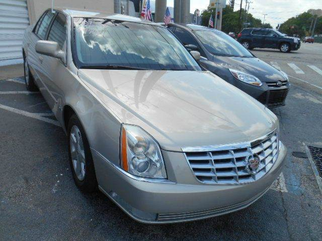 2007 CADILLAC DTS BASE 4DR SEDAN gold 2-stage unlocking doors abs - 4-wheel air suspension - re