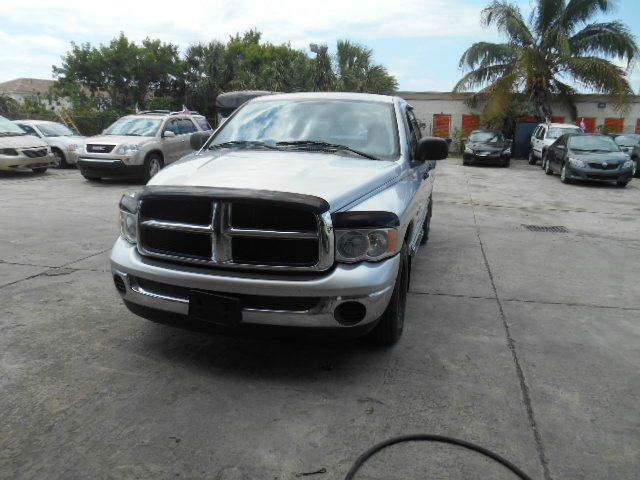 2005 DODGE RAM PICKUP 1500 SLT 4DR QUAD CAB RWD LB silver axle ratio - 321 center console - fro