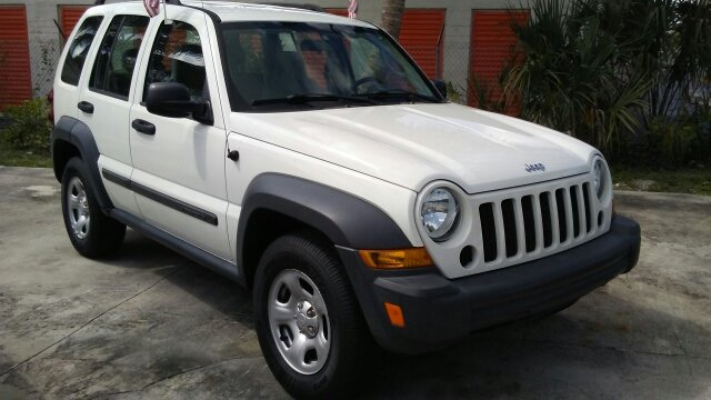 2006 JEEP LIBERTY SPORT 4DR SUV white abs - 4-wheel airbag deactivation - occupant sensing passe