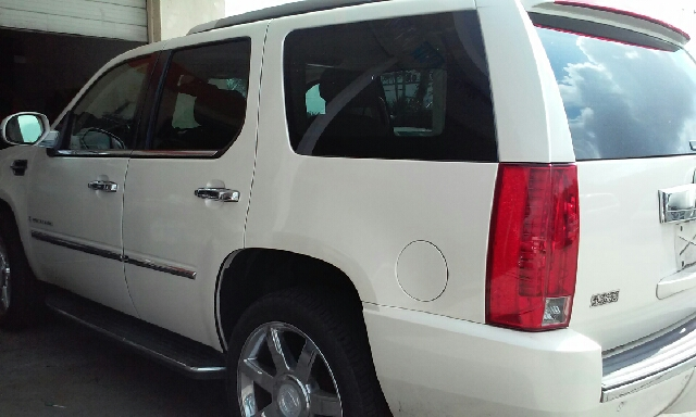 2008 CADILLAC ESCALADE BASE AWD 4DR SUV white 2-stage unlocking doors 4wd type - full time abs