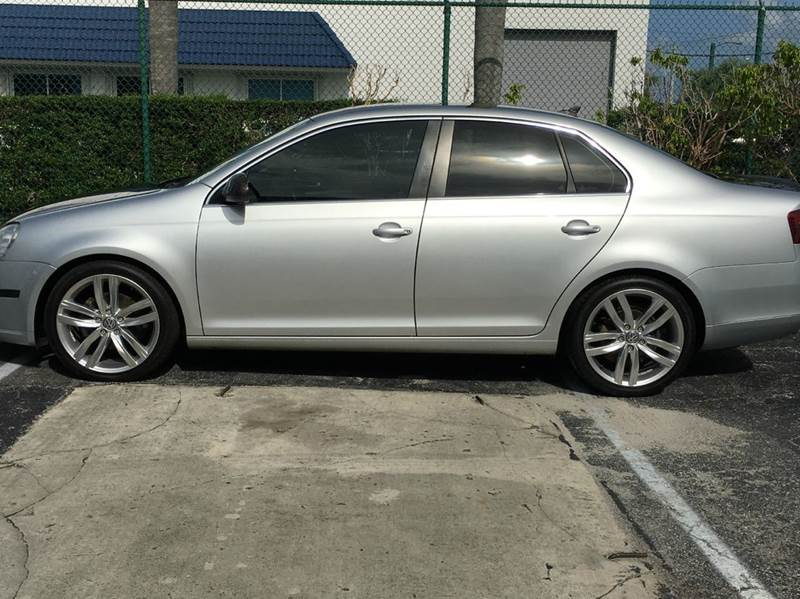 2006 Volkswagen Jetta TDI SEL 4dr Sedan w/Manual - West Palm Beach FL