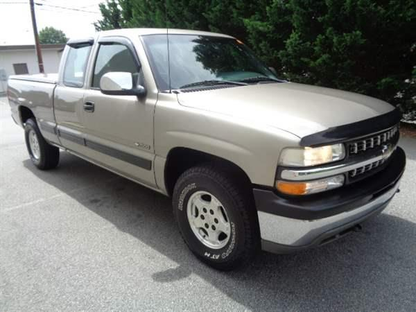 2002 Chevrolet Silverado 2500HD V8, 6.6L; TURBO - Conover NC