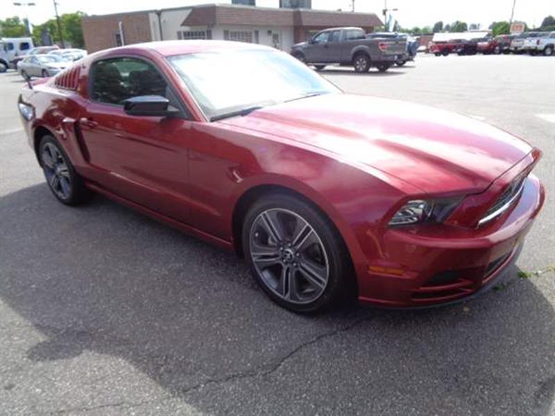 Assez 2014 Ford Mustang V6 3.7L; DOHC 24V In Conover NC - Village Motors  HV95