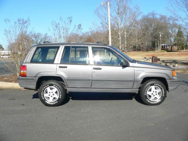 1994 jeep grand cherokee laredo 4wd for sale in greer greenville spartanburg cars plus of greer. Black Bedroom Furniture Sets. Home Design Ideas
