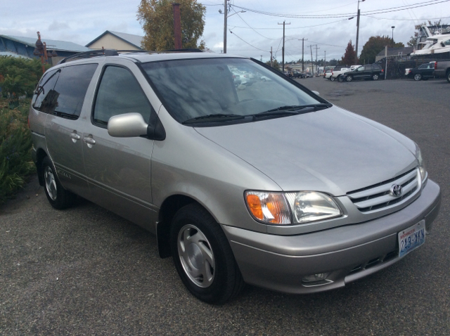 2001 Toyota Sienna 4dr XLE Mini-Van - Seattle WA