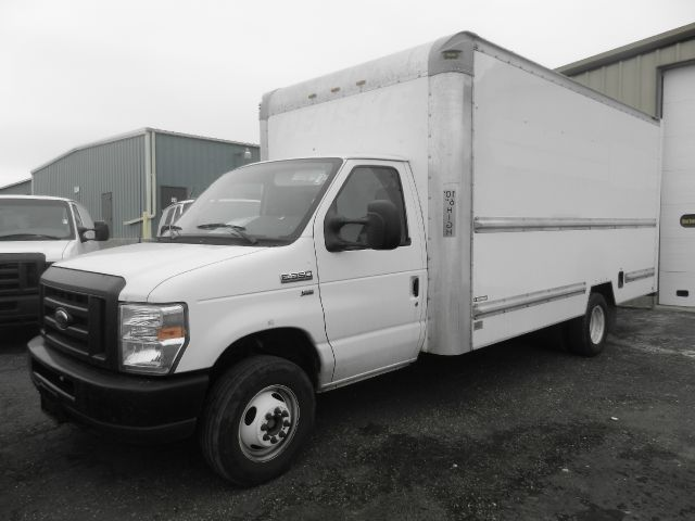 2010 Cube Van Box Truck Ford- Excellent Condition! Stk#5437  SALE
