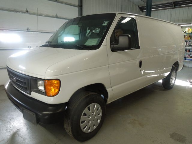 2006 Cargo Van Ford with Contractors Option Stk#5415
