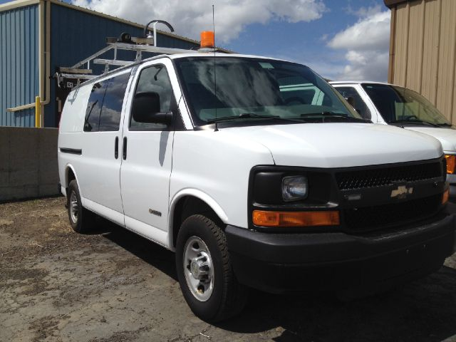 2006 Chevrolet Express  LOW MILES-INVERTER! Stk#5455