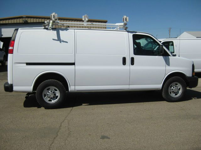 2010 CARGO VAN  Chevrolet w CONTRACTOR PACKAGE Stk#5407