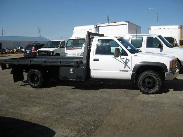 2000 Flatbed GMC 1 Ton 4x4 Dually Low Miles