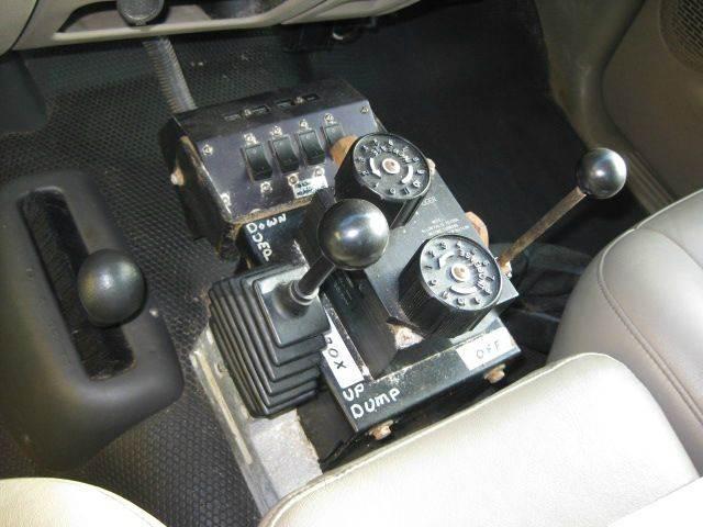 2004 GMC 4x4 Dump Truck w LOW LOW Miles  - Bismarck ND