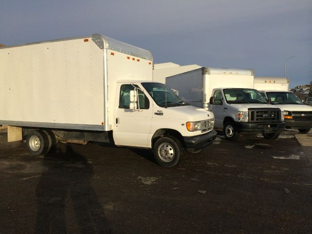 2002 Cube Van Box Truck Ford Super Duty 1 Ton - LOW MILES! Stk#5443
