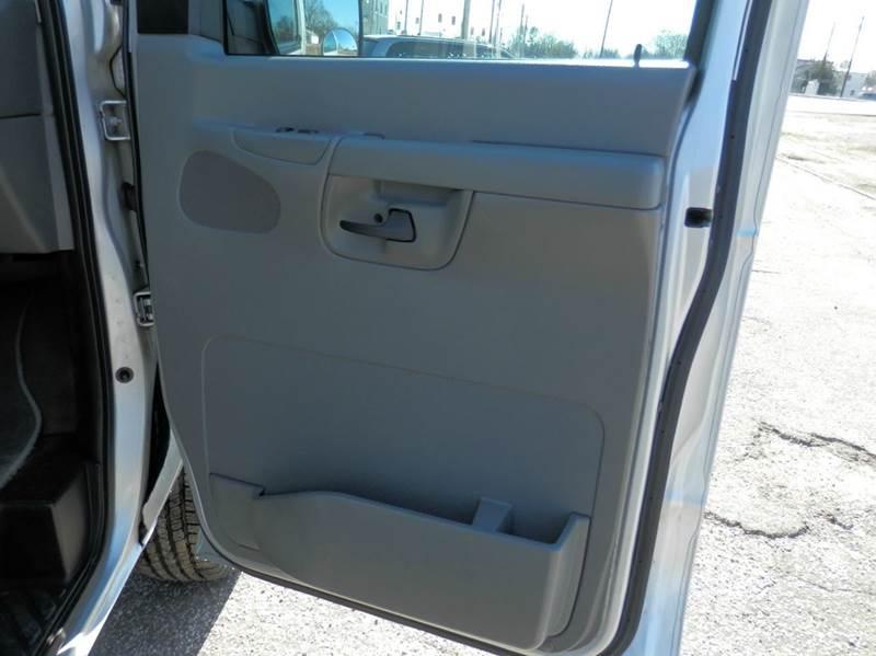 2008 Ford E-Series Wagon E-150 XLT 3dr Passenger Van - Milan TN