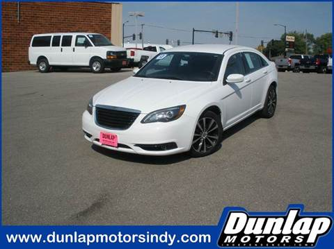 2013 Chrysler 200 for sale in Independence, IA