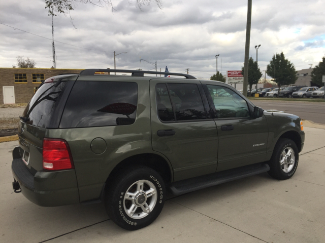 2004 ford explorer xlt 4dr 4wd suv in clinton township mi makdisi motors. Black Bedroom Furniture Sets. Home Design Ideas