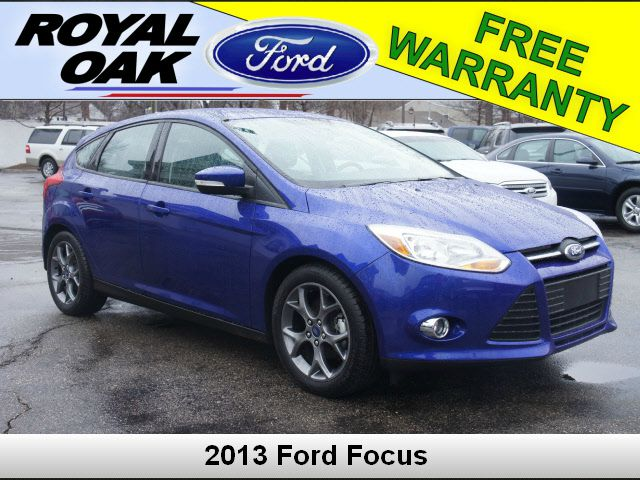 2013 FORD FOCUS SE blue cloth front bucket seatsradio amfm single-cdmp3-capable6 speakersair