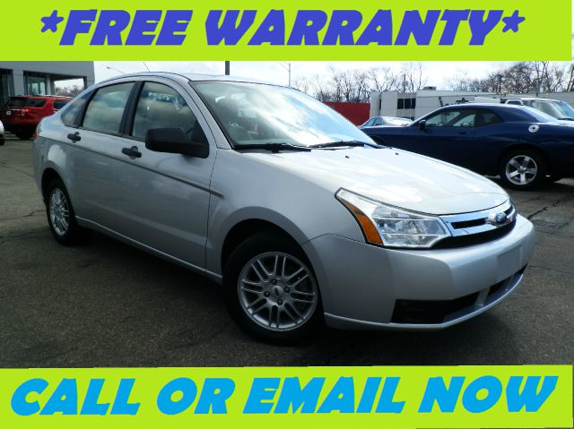 2009 FORD FOCUS SE SEDAN silver cloth sport bucket seatsamfm single cdmp3 player wclocksirius
