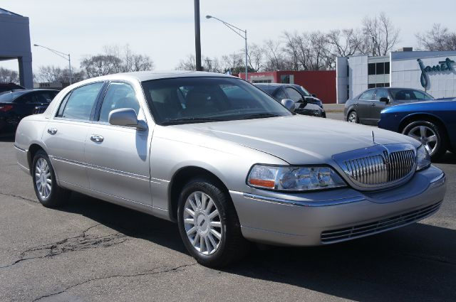2005 LINCOLN TOWN CAR SIGNATURE unspecified premium leather individual comfort 402040 loungepre