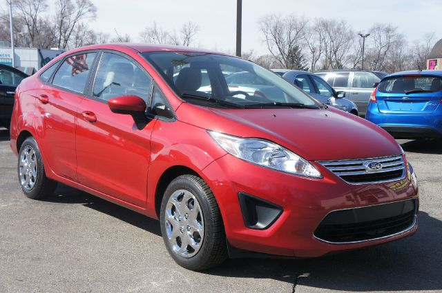 2011 FORD FIESTA SE red 15 steel wheels wcoversunique cloth front bucket seatsradio amfm st