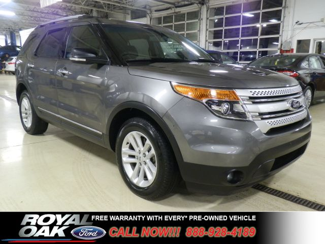 2013 FORD EXPLORER XLT FWD gray remaining factory warranty nicely equipped xlt with front whee