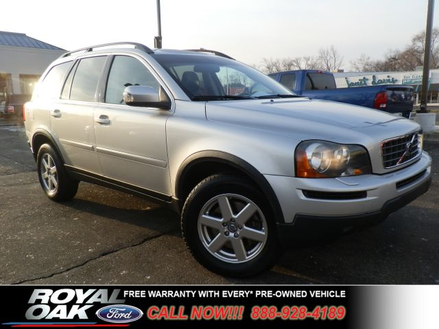 2007 VOLVO XC90 32 silver metallic free royal sheild warranty  32 awd lots of room at royal