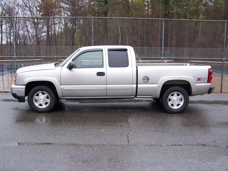 2006 Chevrolet Silverado 1500 LS 4dr Extended Cab 4WD 6.5 ft. SB - Derry NH