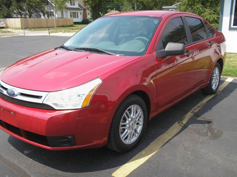2009 Ford Focus SE 4dr Sedan - Hutchinson KS