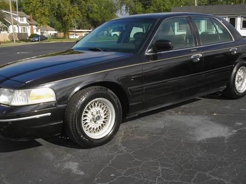 2001 Ford Crown Victoria for sale in Hutchinson, KS