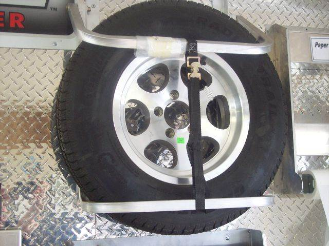 how to change a tire on a cargo trailer