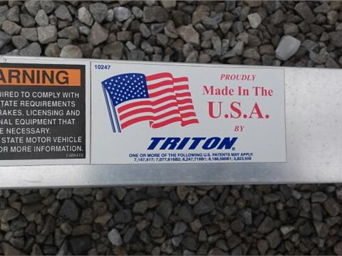2016 Triton AUT 1082-B