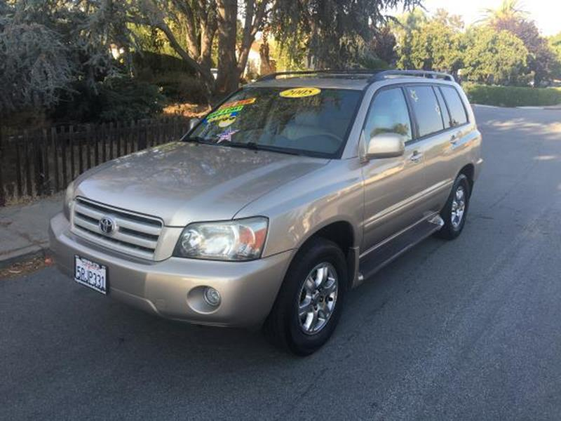 2005 TOYOTA HIGHLANDER champagne this is a beautiful 2005 toyota highlander 4 door wagon automati
