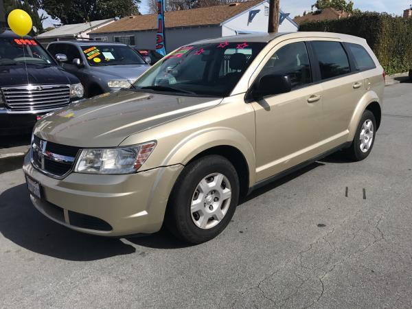 2010 DODGE JOURNEY SE 4DR SUV beige this is a beautiful beige 2010 dodge journey 4 door wagon l4