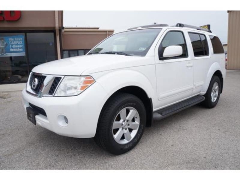 2008 NISSAN PATHFINDER LE 4X4 4DR SUV white this is a white 2008 nissan pathfinder 4 door wagon a