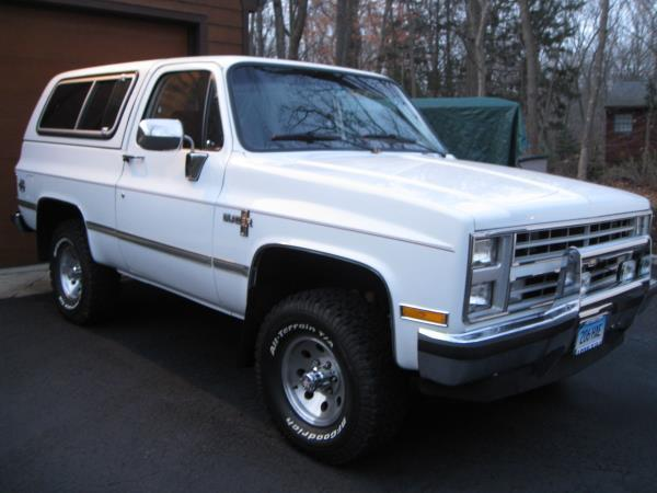 1987 CHEVROLET BLAZER white this is a white 1987 chevrolet blazer 2 door wagon automatic v8 57l
