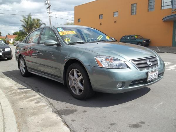 2004 NISSAN ALTIMA teal this is a automatic teal 2004 nissan altima 4 door sedan  v6 35l fwd ca