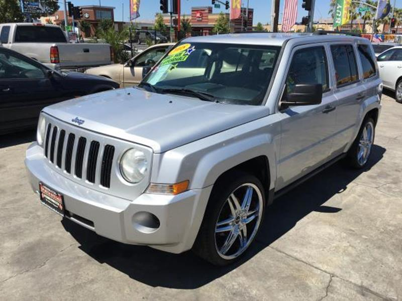 2008 JEEP PATRIOT SPORT 4X4 4DR SUV WCJ1 SIDE AIR silver this is a beautiful silver 2008 jeep pa