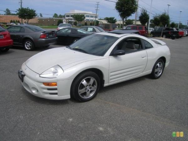 2003 MITSUBISHI ECLIPSE white this is a beautiful white 2003 mitsubishi eclipse 2 door hatchback a