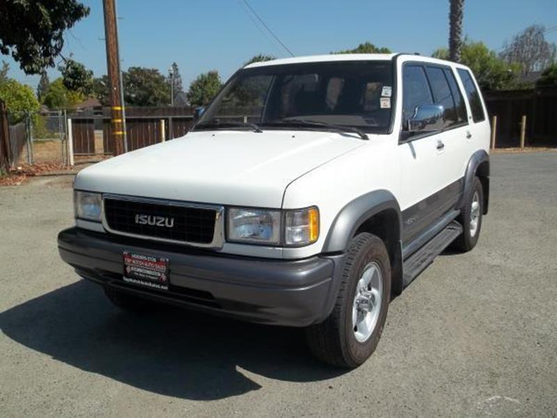 1996 ISUZU TROOPER white this is a beautiful yellow 1996 isuzu trooper 4 door wagon automatic v6