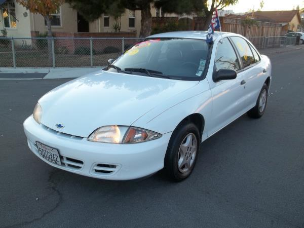 2001 CHEVROLET CAVALIER BASE 4DR SEDAN white this is a white 2001 chevrolet cavalier 4 door sedan