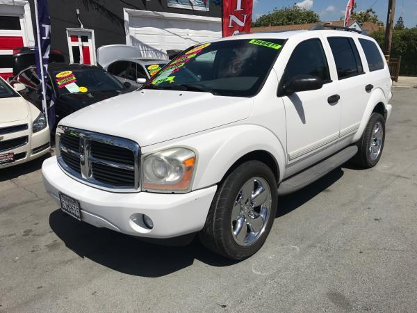 2005 DODGE DURANGO SLT 4DR SUV W FRONT REAR AND T white this is a beautiful white 2005 dodge du