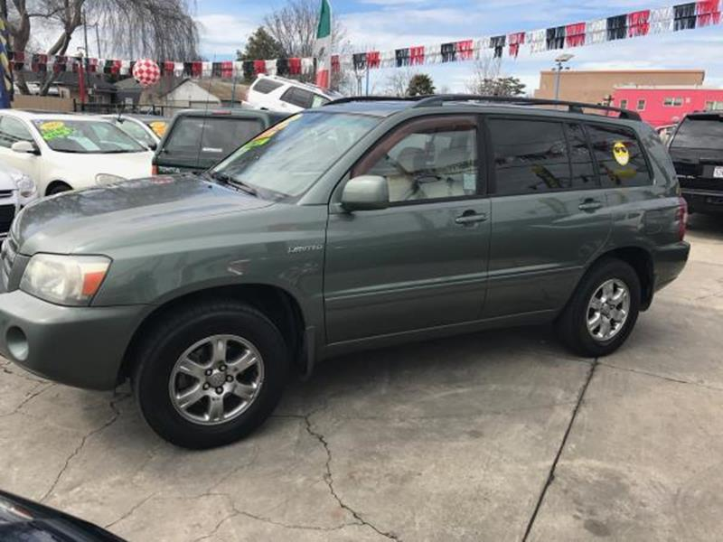 2004 TOYOTA HIGHLANDER green this is a beautiful 2004 toyota highlander 4 door wagon v6 33l 4wd