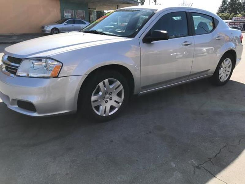2012 DODGE AVENGER SE 4DR SEDAN silver this is a beautiful silver 2012 dodge avenger 4 door sedan