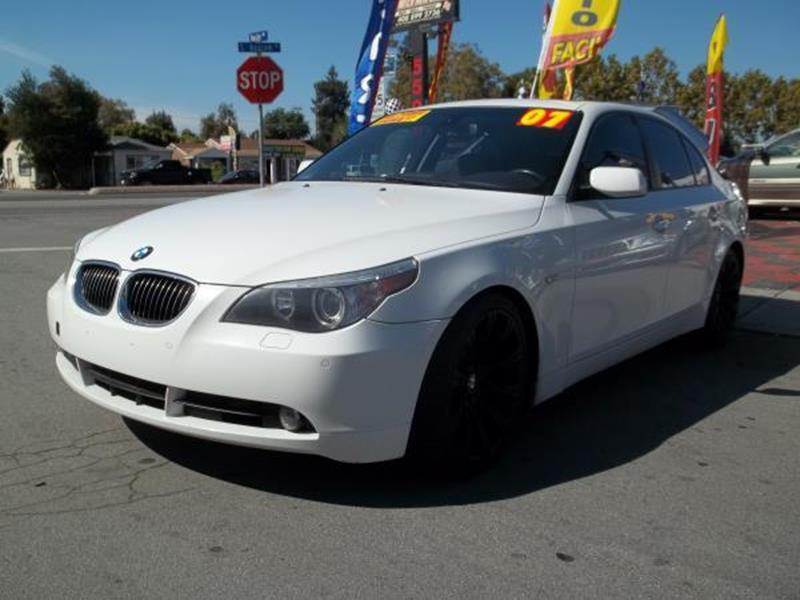2007 BMW 5 SERIES 550I 4DR SEDAN white this is a beautiful white 2007 bmw 5 series 4 door sedan a